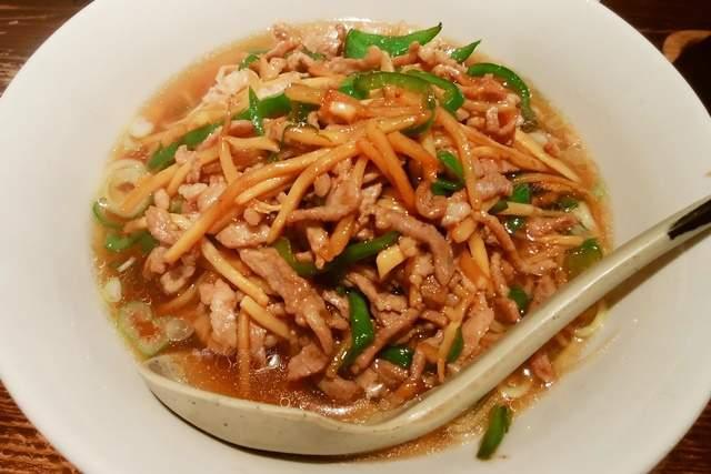 天心坊のチンジャオ麺