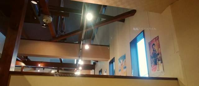 天心坊の半個室から天井方向を望む