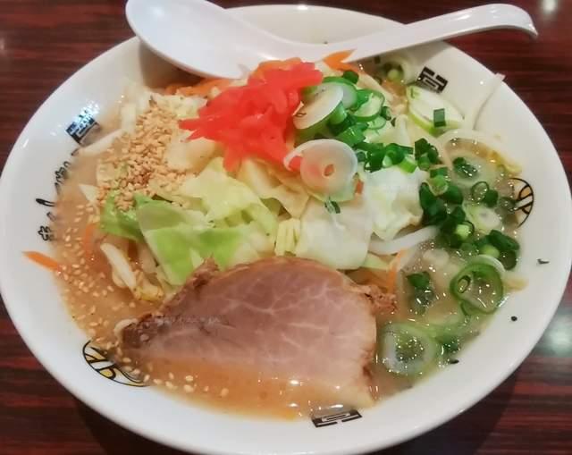 きんしゃい亭県庁前店の野菜ラーメン