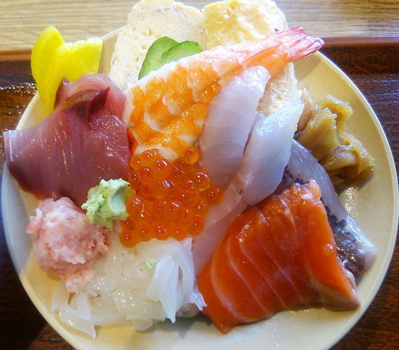 とみ家のミニ海鮮丼
