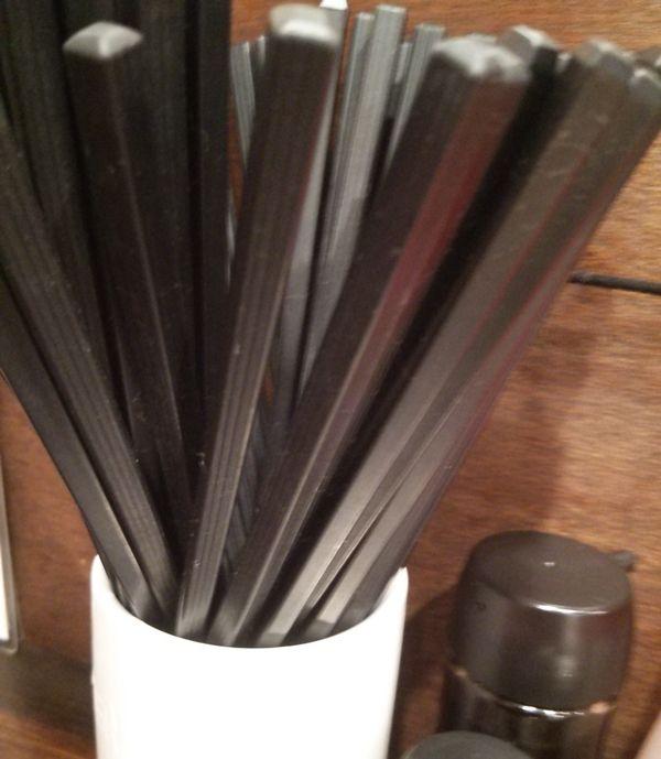 鬼助のプラスティック箸