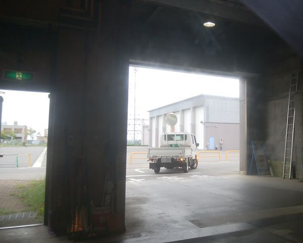 新田清掃センターの、破砕場の出口の接近図