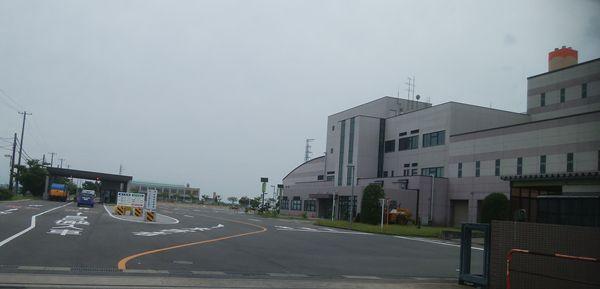 新田清掃センターの敷地入り口前
