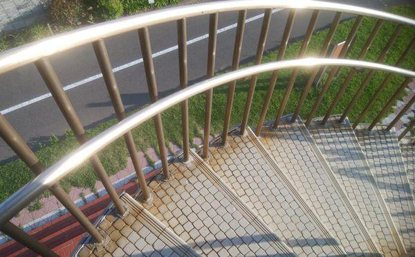 日和山展望台の下りる時の階段