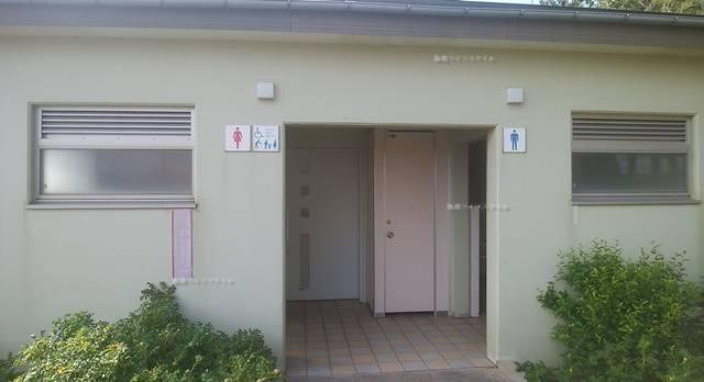 関分記念公園のトイレ入り口