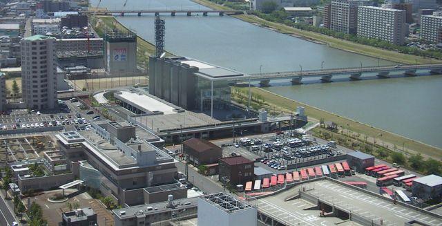 万代の街と信濃川の俯瞰画像