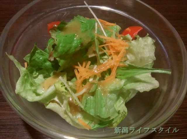ベビーフェイスプラネッツ女池インター店のハンバーグセットのサラダ