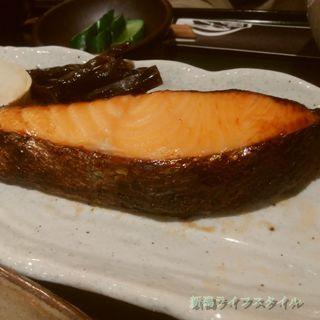 鮭山マス男商店のキングサーモンのアップ