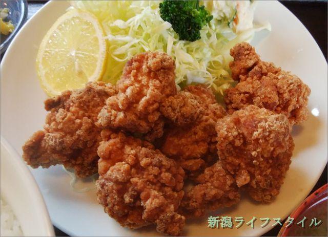 太和良食堂の鶏の唐揚げのアップ