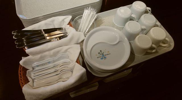 じゅらくステイ新潟の子供用のフォークやお皿