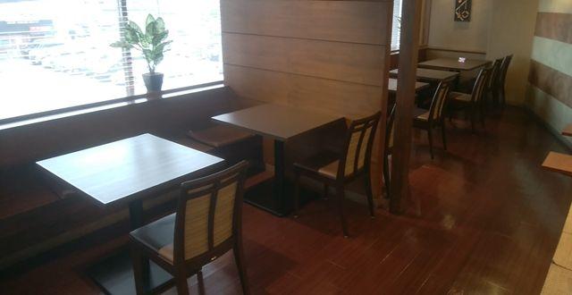 じゅらくステイ新潟の食道のテーブル席2