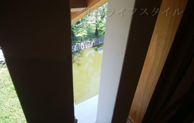 新発田城の櫓から外を見る窓