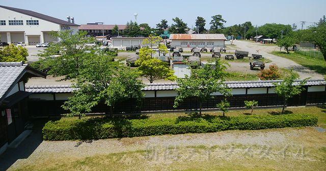 新発田城の奥には自衛隊の駐屯地が