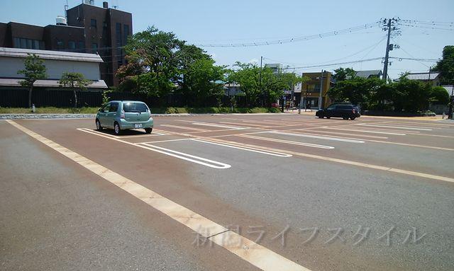 新発田城の駐車場風景その1