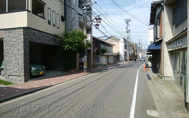 たい焼き本舗から新潟大学病院方向を望む