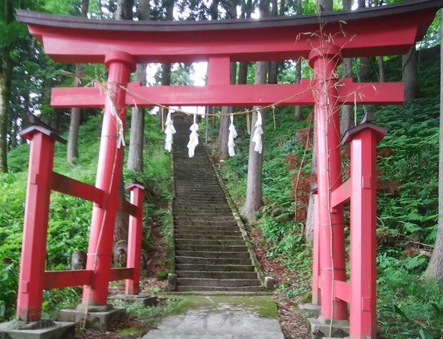 羽黒神社のふたつめの鳥居