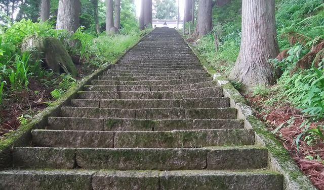 羽黒神社の石段。