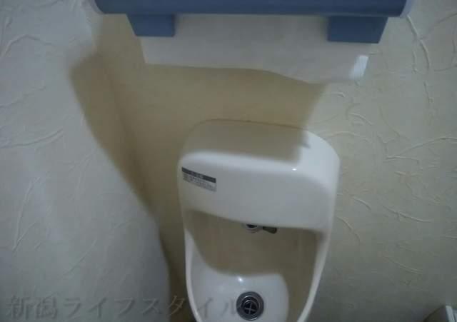 東華楼のトイレ内手洗い場