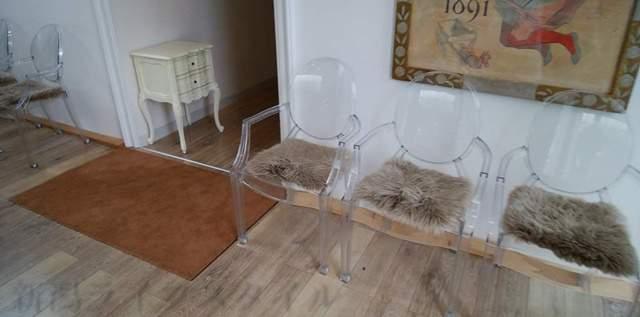 ルーテシアのウェイティング椅子