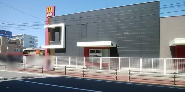 パラカ万代シティ駐車場の向かいのマクドナルド