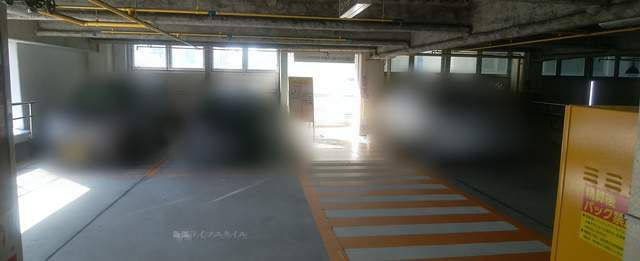 パラカ万代シティ駐車場の2Fからテレコムビル方面をのぞむ