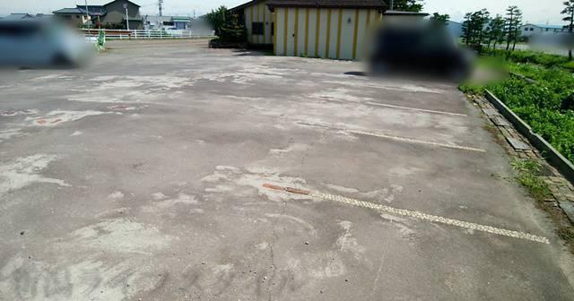 ラ・パティスリー プレジールの駐車場