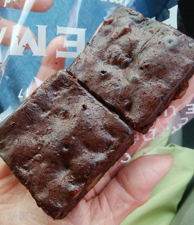 BAKERY FARMこむぎのチョコ菓子のような物