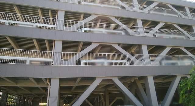メディアシップ立体駐車場の外観