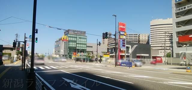 東港線十字路から東区方向を見た図