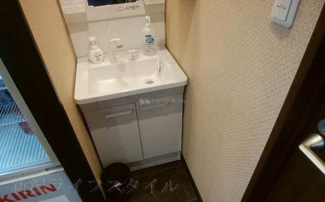 松壱家のトイレを出たところの手洗い場