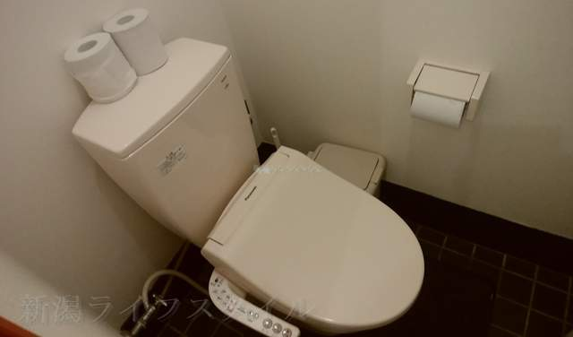 フタツメの洋式トイレ