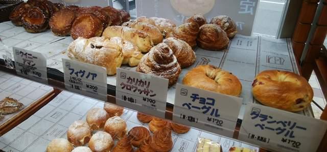 カワムラ万代店の菓子パンやベーグル