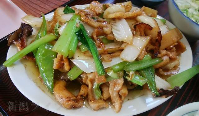 柿屋のイカ肉野菜炒め定食のおかずのみアップ