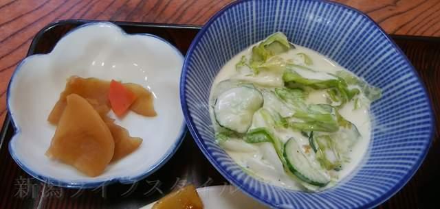 柿屋のイカ肉野菜炒め定食のお惣菜