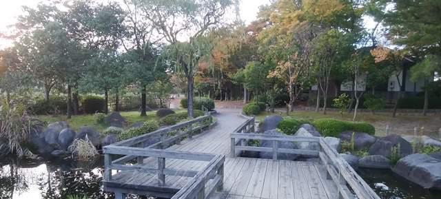 鳥屋野中央公園(鏑木エリア)の木の橋