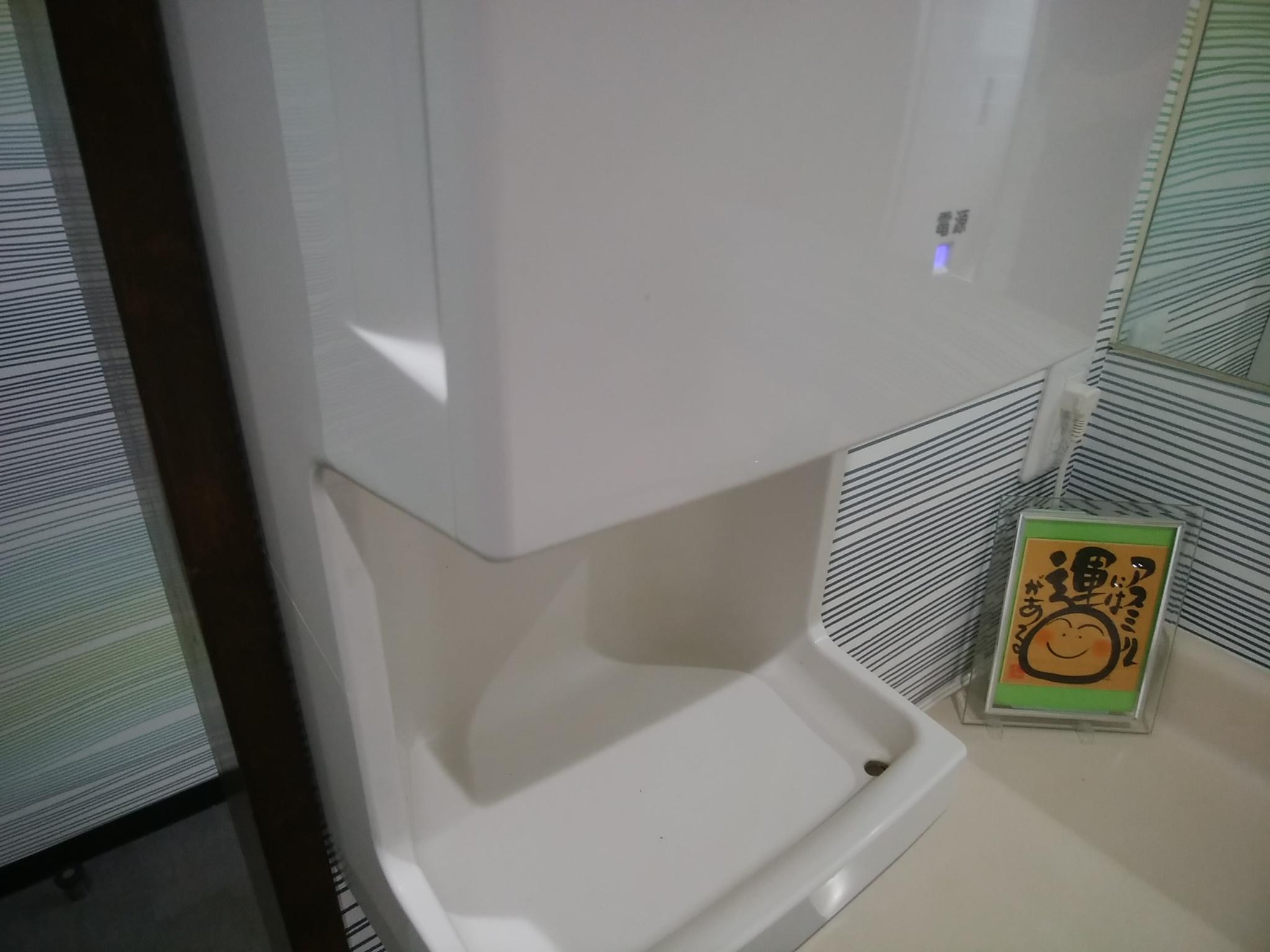 松兵衛のトイレの手洗い場の送風機