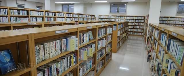 黒埼図書館内の様子その2