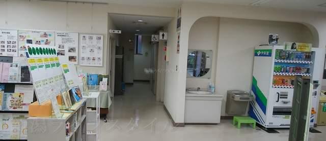 黒埼図書館のトイレ入り口付近の様子