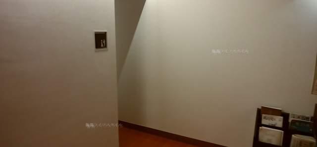 ヴィネスパ2Fのトイレ入口