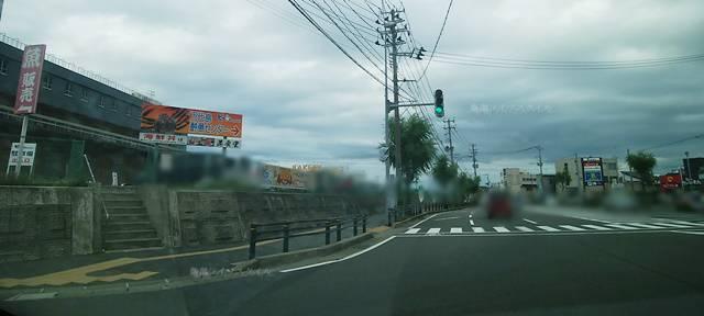 万代シティから東区方面へ向かい柳都大橋を過ぎた辺りの風景