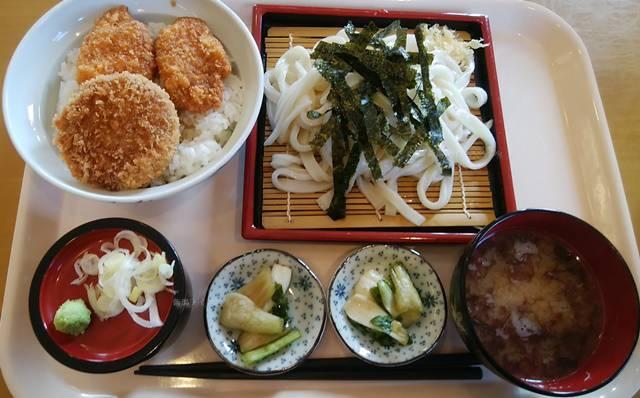 白粉屋のヒレカツ天丼と、ざううどん普通盛り