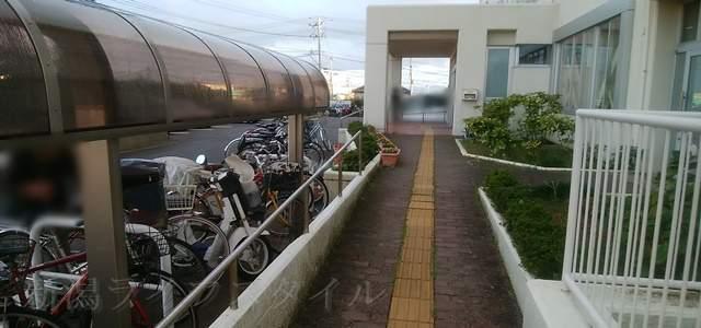 坂井輪図書館の駐輪場