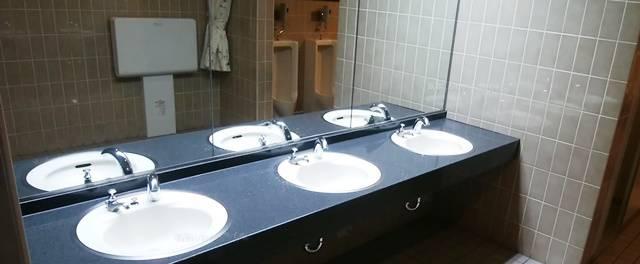 バザール館2Fのトイレの手洗い場