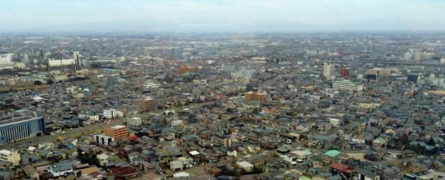 新潟市の街並みを上空から