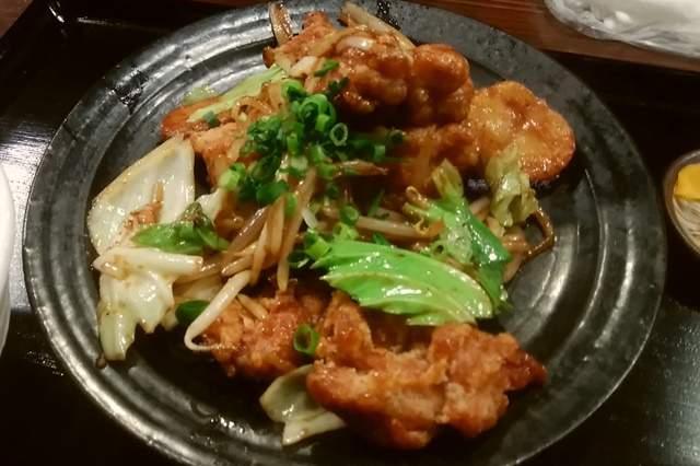 筋肉食堂吉田屋の鶏唐揚げと野菜の味噌炒め