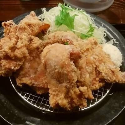筋肉食堂吉田屋の唐揚げ定食のおかずのみアップ