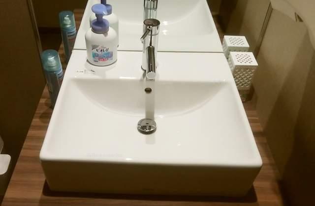 筋肉食堂吉田屋のトイレの手洗い場