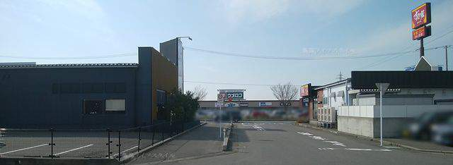 中華そば ふじの 新津店の付近のお店たち