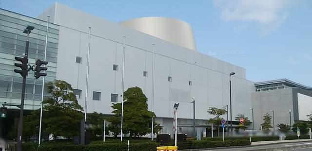 朱鷺メッセのコンベンションセンターの外観