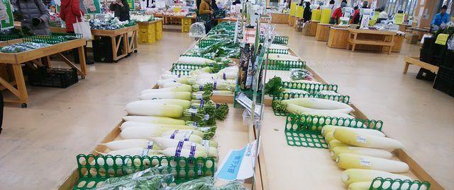 いっぺこーとの野菜売り場など内部の様子